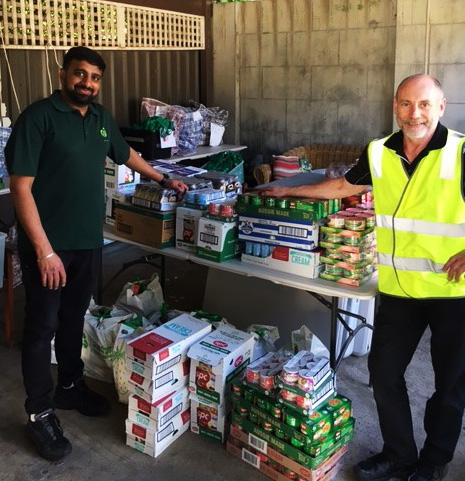 Woolies Staff Delivering